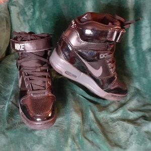 EUC Nike Air Revolution Skg High Women's Size 7